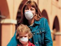 Persone-che-indossano-la-maschera-antismog